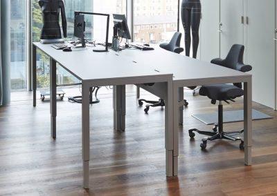 h4-desk-limora-specialfarg-dansk-design-skrivbord-hoj-och-sankbart-1_resize
