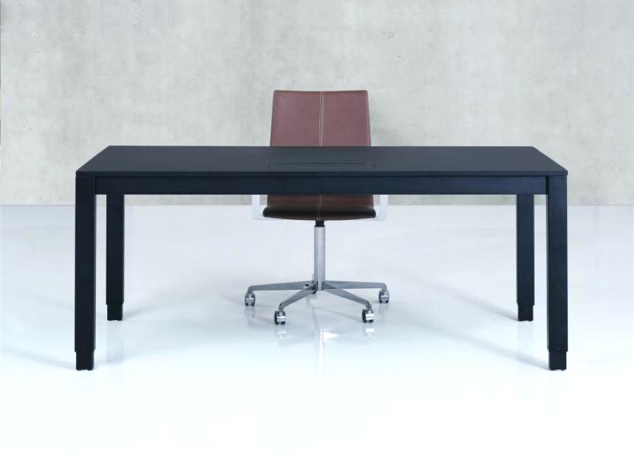 H4 skrivbordet dansk design till kontoret. H4desk