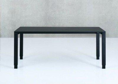 Exklusiva H4 skrivbordet. Fyra höj- och sänkbara ben