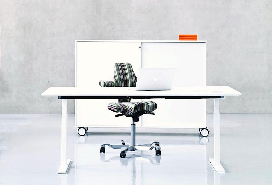 q20-skrivbord-sprinter-max-forvaring-dansk-design