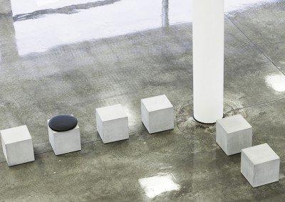Betongpallen Q40 - minimalistisk funktionalitet i offentligt miljö