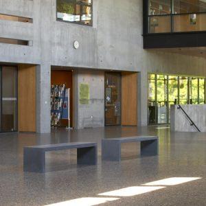 betongbank-skolmoebler-dansk-design-reflect-team