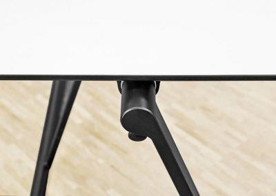 As-two-robust-skolbord-elevbord-CDF-skiva