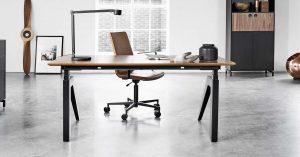 Cabale-desk-groovy-cc-stol-unikt-hoj-sankbart-skrivbord