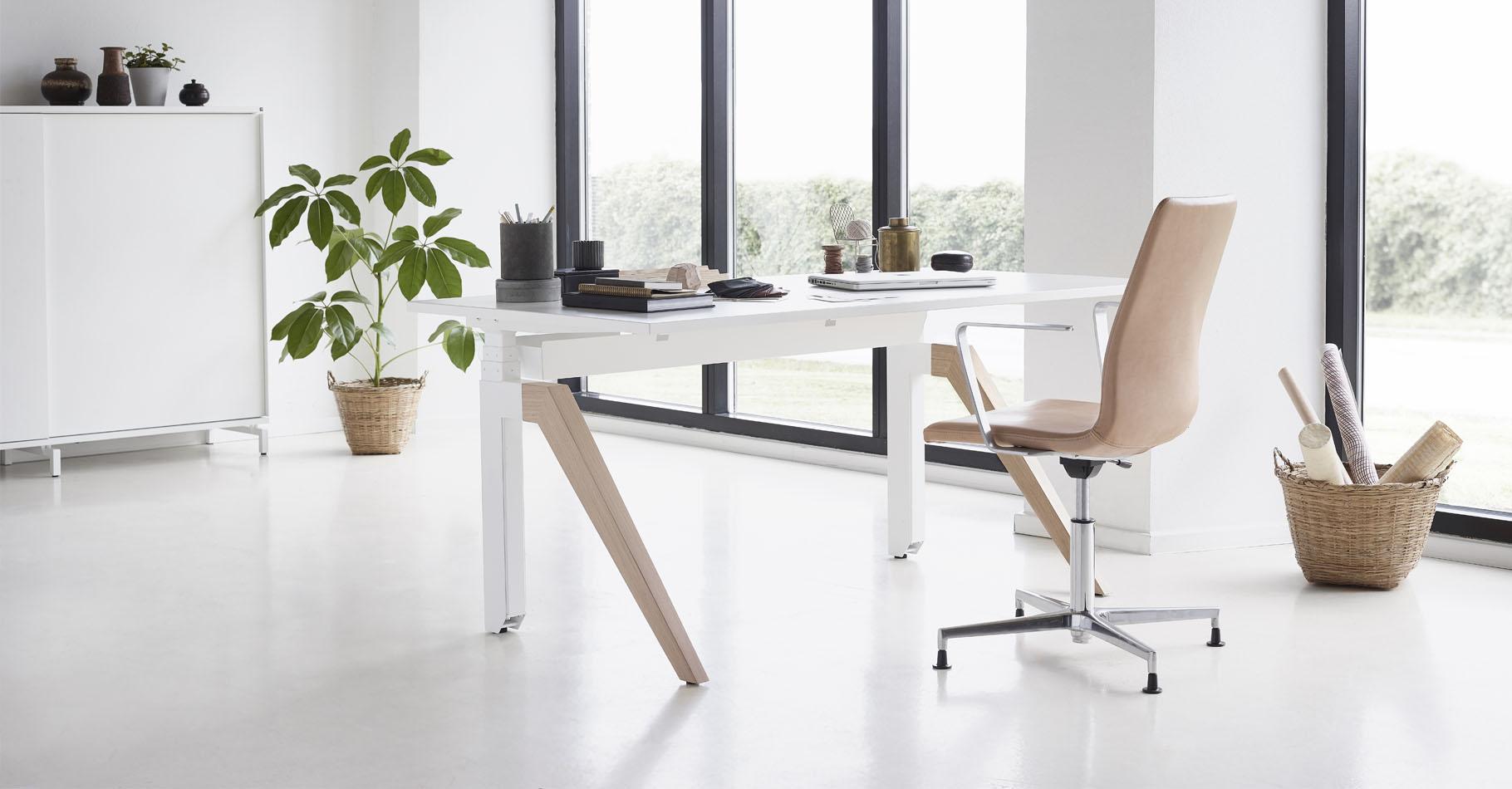 Cabale-desk-groovy-cc-stol