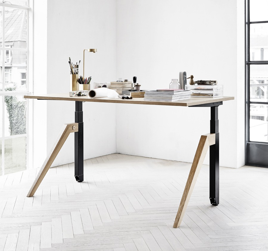 cabale-dansk-design-skrivbord-tra-ben-hoj-och-sankbar (1)
