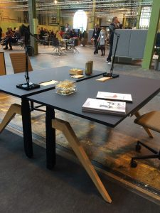 cabale-dansk-hoj-sankbart-skrivbord-danish-form