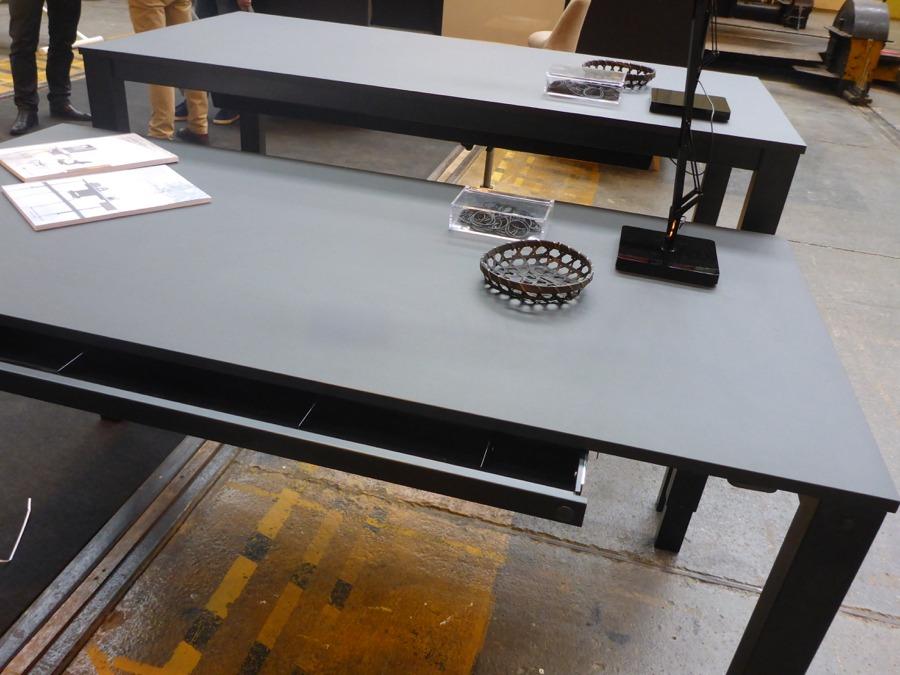 h4-bord-desk-hoj-sankbart-skrivbord-med-forvaring-dansk-design