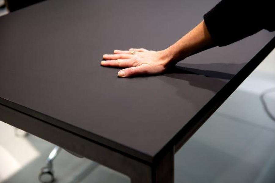 H4 bordet vackert dansk designat fyrbensbord