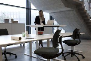 q20-skrivbord-dansk-enkelhet