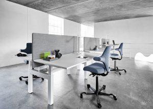q40-dansk-design-hoj-sankbar-skrivbord-benching-system-danish-form-holmris-aterforsaljare