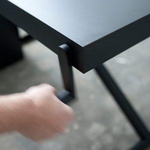 Xtable, skrivbord med manuell höjdinställning. Dansk design by Kibisi..