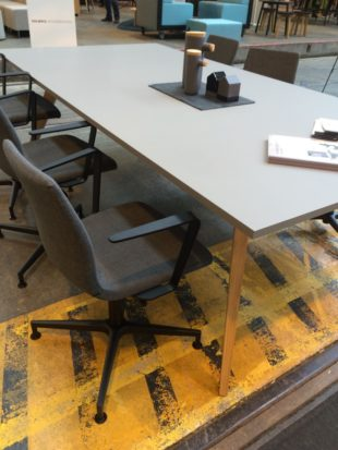 groovy-cc-konferensstol-cable-konferensbord-dansk-design-hos-danish-form