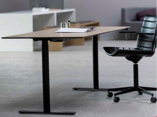 S60-stram-minimalistisk-dansk-skrivbord