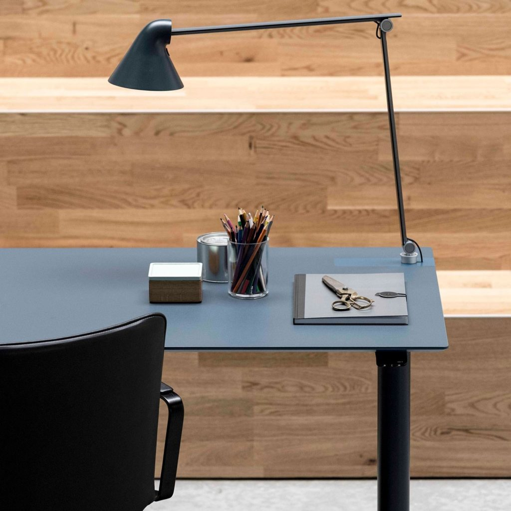 s60-slimline-skrivbord-danskt-hoj-och-sankbart