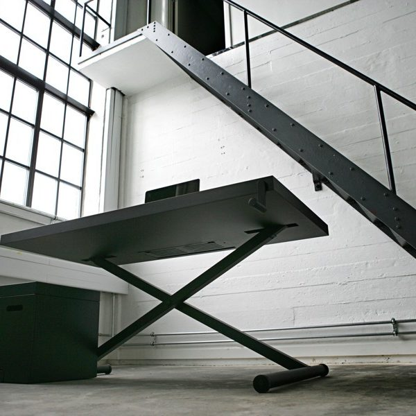 Xtable. Coolt dansk höj och sänkbart skrivbord till kontoret.